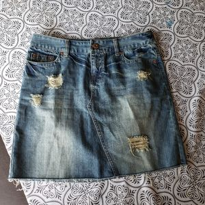American Eagle size 6 distressed jean skirt